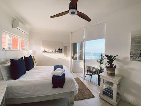 3 Bedroom Panoramic Sea View Apartment - Umdloti