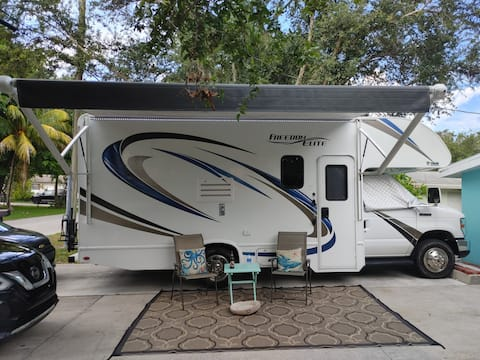 Dog and boat friendly 1-bedroom camper/RV