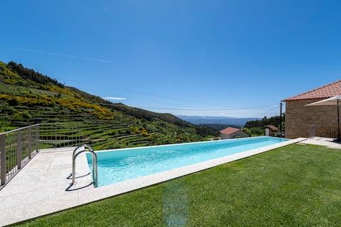 Villa with a Pool in Vale de Cambra