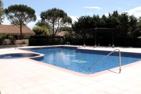 Charmante petite villa dans résidence avec piscine