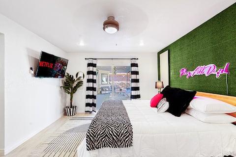 Arcade Oasis! 6 beds, 3 bedroom, 2 bath, ok 4 pets