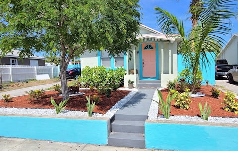 Lake Worth Paradise Cove Cottage Downtown 2/1
