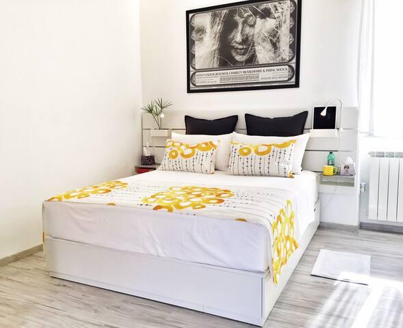 Bedroom (mattress 160x200 cm / 63x79 inch)
