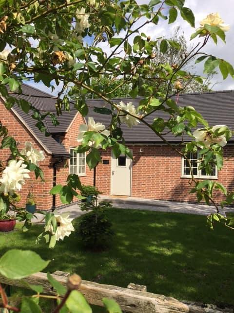 Perfect setting - Entire Lodge Alrewas, Derbyshire