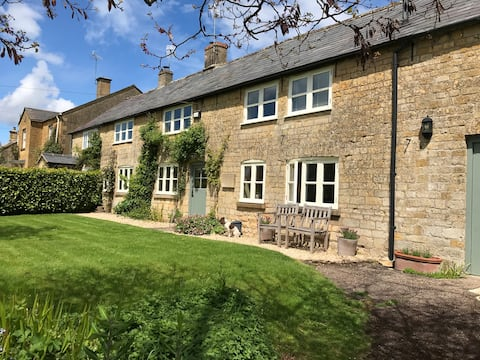 Charming Cotswold village bed and breakfast