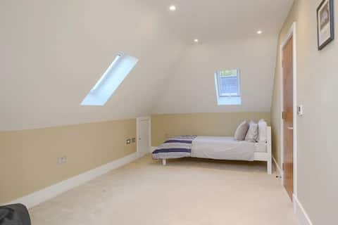 The Woody Bedroom with Private Bathroom