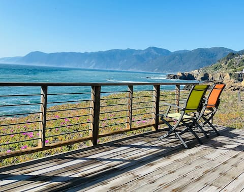 Cozy Oceanfront Home! Only 30 feet from the Water!