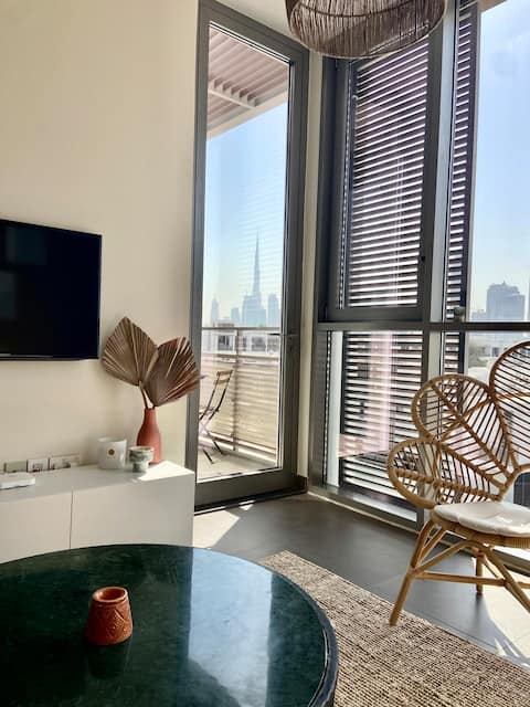 Lovely 1 bedroom Apartment with Burj Khalifa view!