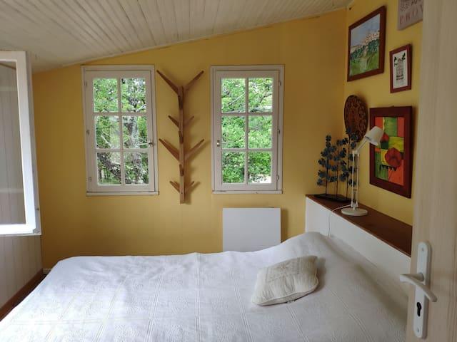Chambre 2, 1 lit en 140 cm
