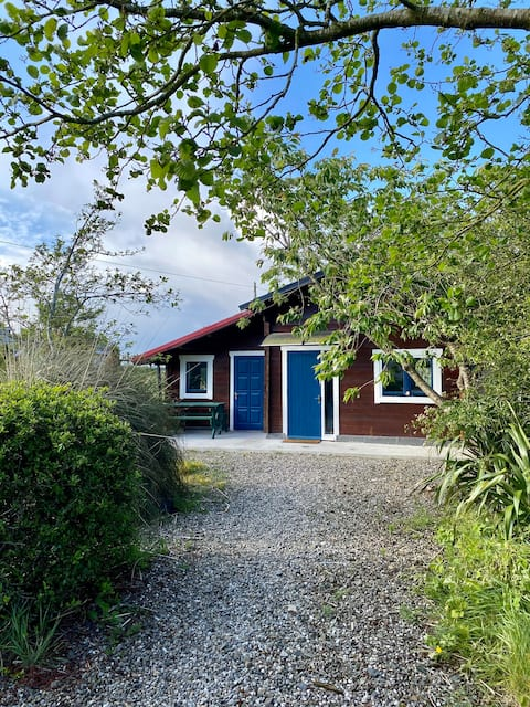 Cosy wooden chalet in peaceful Wexford countryside