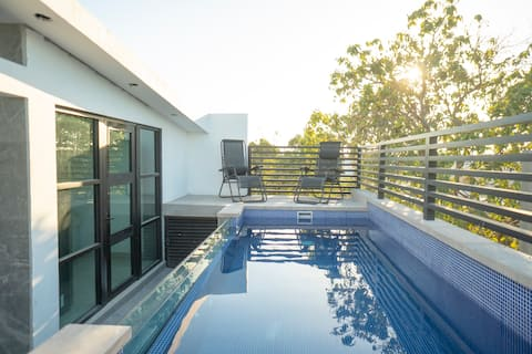 Newly Built one bedroom Loft w/Pool at Rooftop
