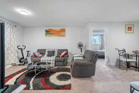 Very Beautiful Lower Suite in Chestermere