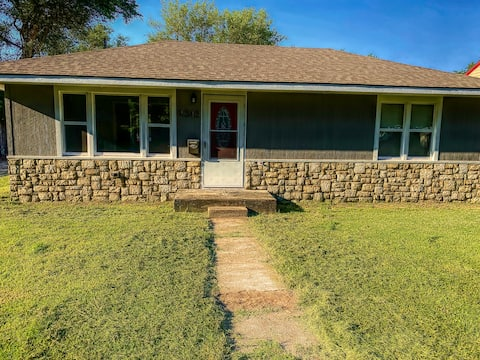 Gather here. Two Bedroom Home -Close to the Dunes!