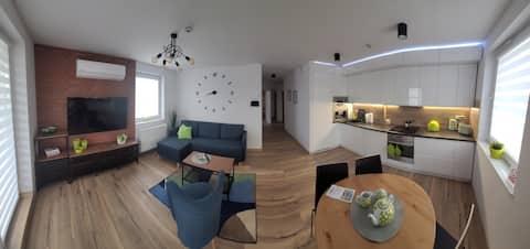 Apartament 58 m2 z  klimatyzacją i garażem