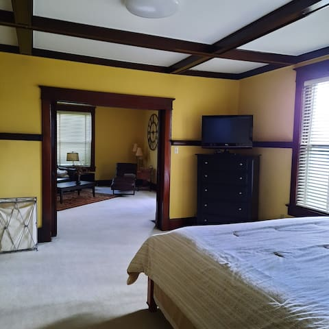 Private Bedroom with super cozy & comfy King size bed.  Plenty of hanging and chest of drawer storage space for everyone!  LG TV with Apple TV box for access to Amazon Prime & Showtime  are included in your stay!