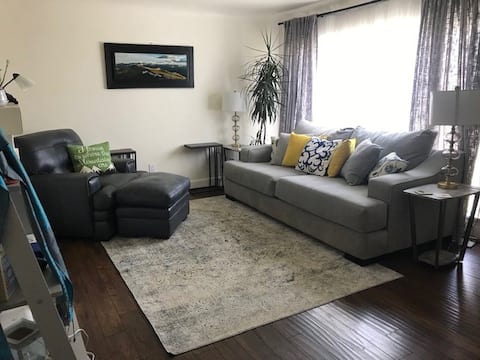 Cheerful one bedroom rental on a quiet street
