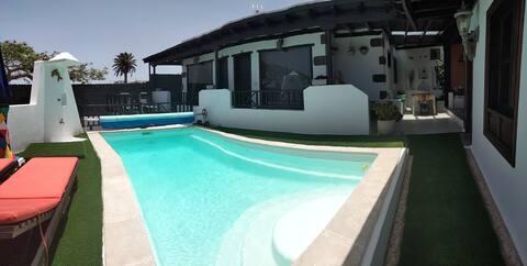 Apto. con piscina El Flamboyán 2