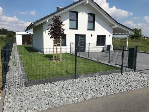 """Ferienhaus """"Oskar"""" 100m Entfernung zum See/Strand"""