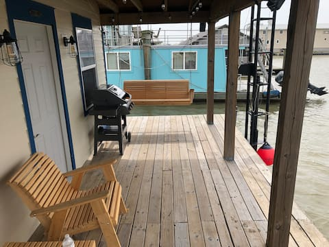 The NEW Houseboat in Cypress Cove Marina - Venice