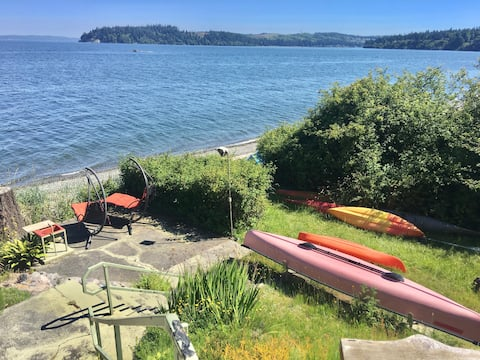Private Beach-Port Ludlow Cottage on Puget Sound