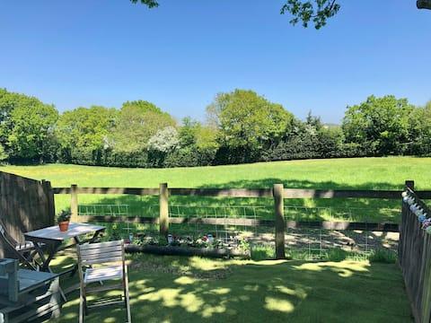 Dandelion Lodge with stunning rural views