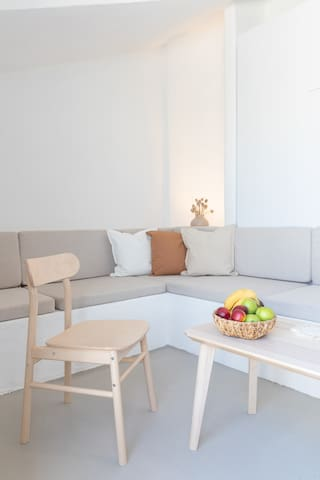 L'olive Homes welcomes you with 10 different cosy, inspiring rooms with well-equipped kitchens and bathrooms. All the rooms went through a total renovation in 2021.