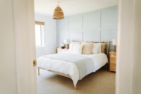 *Newly renovated* holiday home near the beach