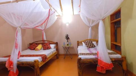 Irungu African Eco Lodge