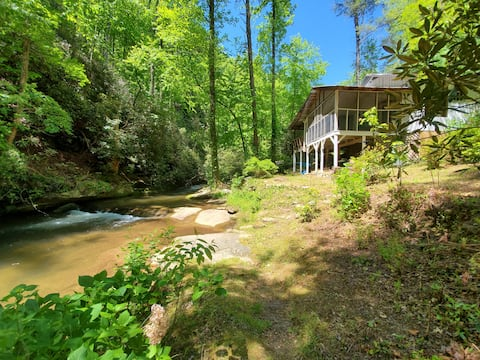 Mountain Cottage on trout stream @ Jocassee Gorge
