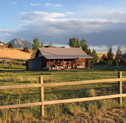 Norsk Cabin by the Yellowstone