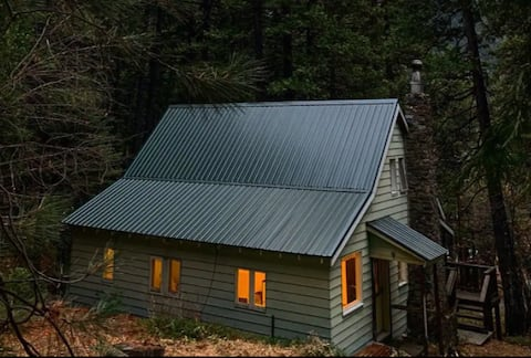 High Sierra Cool Cabin!