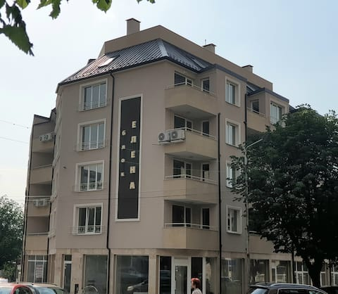 Budget Luxury Apartment - Absolutely New Building!