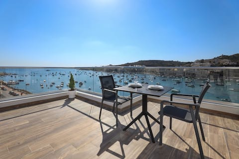 ★ Deluxe terrasserad svit med havsutsikt ★
