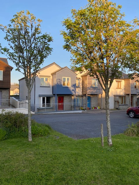 3 Bedroom Semi-d house in small residential estate