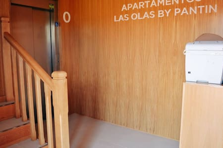 間口の広いゲスト用玄関