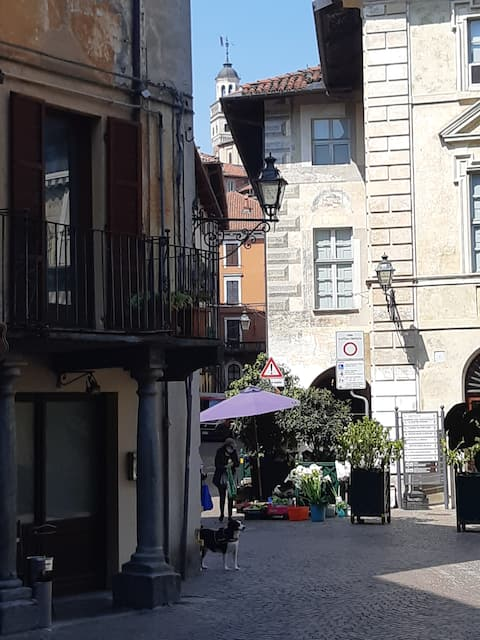 "Casa centro storico Saluzzo per vacanze ""green"""