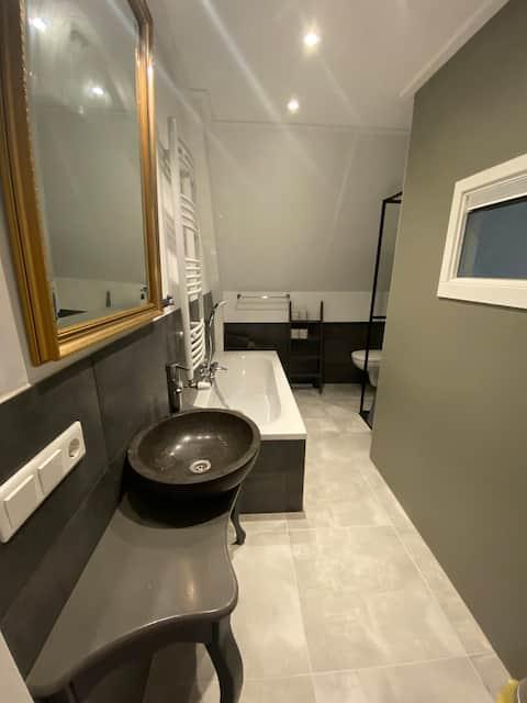 Super clean corona proof private apartment