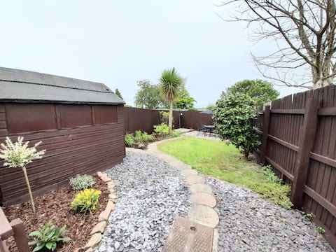 No 1~ Bright & Spacious Private Apartment & Garden