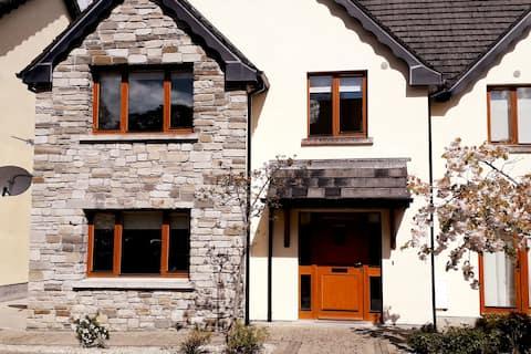 Luxury Lough Rynn self-catering Townhouse