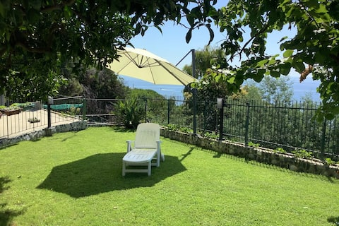 Lodging in a villa located in an exclusive area