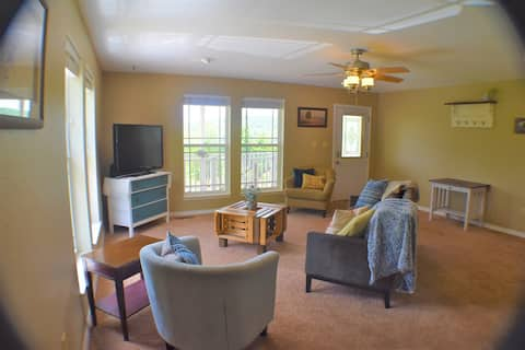 A Stay at Steeple View - escape with views & lake