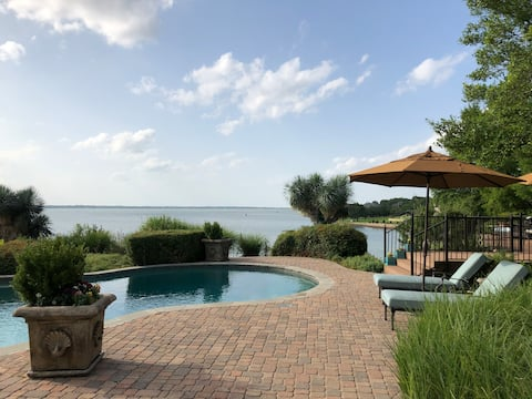 Private Fifth Wheel Luxury Spa on Lake Ray Hubbard