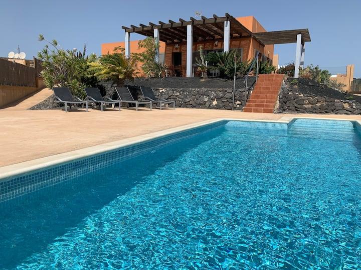 Villa La Perla Azul,HEATED Pool, Wifi...