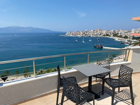 Stylish apartment with sea view 4