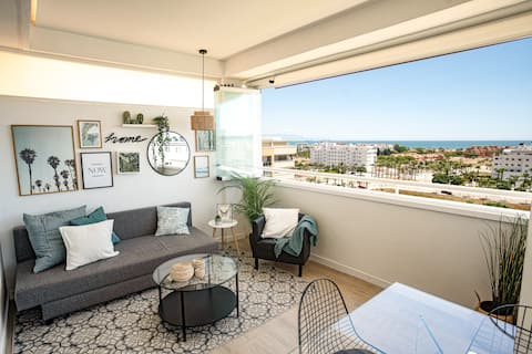 Beautiful apartment with 2 terraces, pool & beach