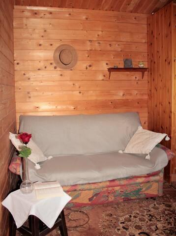 Schlafzimmer 2 mit Schlafsofa für 2 Personen