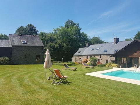 Ecogîte au calme avec piscine, en Suisse Normande