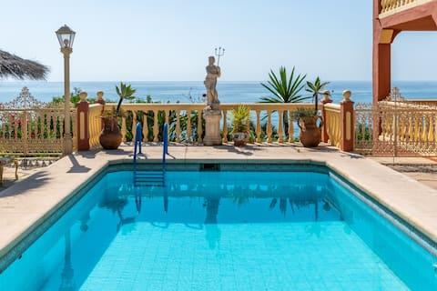 Vila 5BR súkromný bazén a výhľad na more