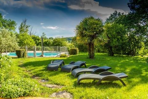 Gîte des Causses avec piscine, à Marin (Aveyron)