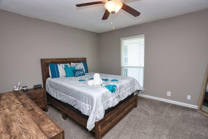 Queen bed, night stands, dresser, closet